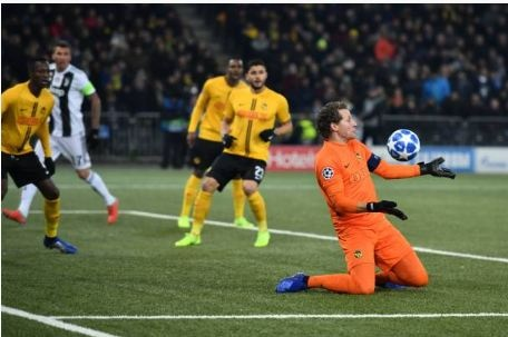 Ronaldo vo duyen, Juventus thua Young Boys 1-2 hinh anh 12