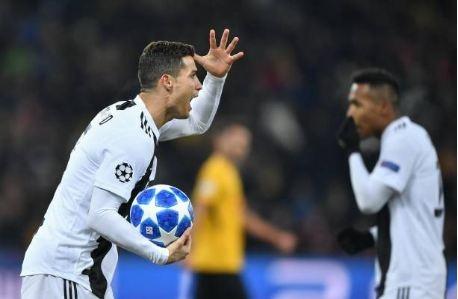 Ronaldo vo duyen, Juventus thua Young Boys 1-2 hinh anh 21