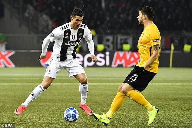 Ronaldo vo duyen, Juventus thua Young Boys 1-2 hinh anh 15