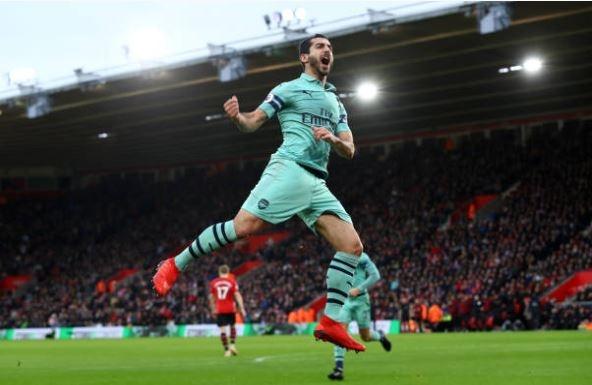 Southampton 1-1 Arsenal: Cuu sao MU go hoa cho 'Phao thu' hinh anh