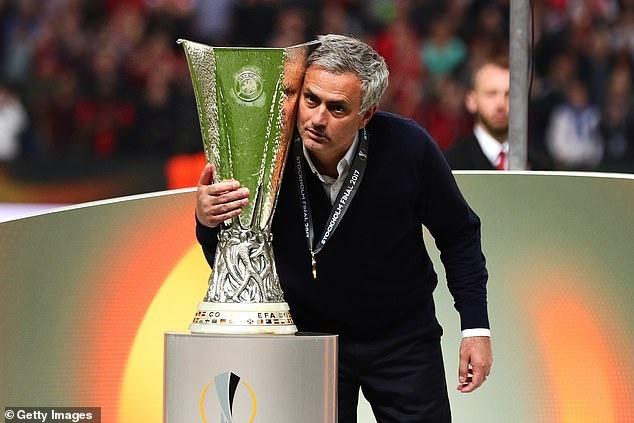 Pogba dang anh day an y sau khi Mourinho bi sa thai hinh anh 7