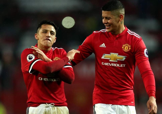 Alexis Sanchez dat cuoc 20.000 bang Mourinho se bi sa thai hinh anh