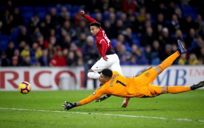 Cardiff City 1-5 Man Utd: Pogba gay an tuong manh hinh anh 26