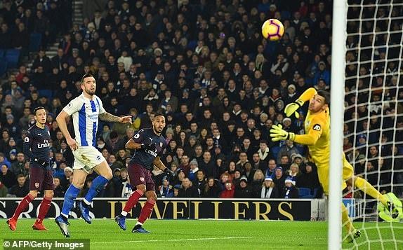Aubameyang ghi ban, Arsenal co 1 diem hu via truoc Brighton hinh anh 8