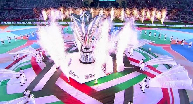 Chu nha UAE chat vat gianh 1 diem o tran ra quan Asian Cup 2019 hinh anh 7