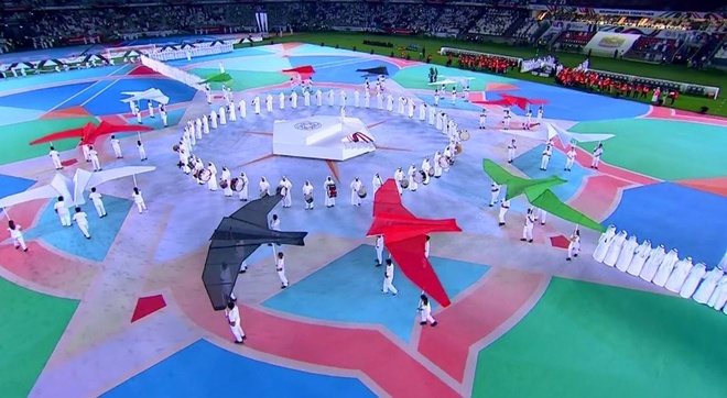 Chu nha UAE chat vat gianh 1 diem o tran ra quan Asian Cup 2019 hinh anh 8