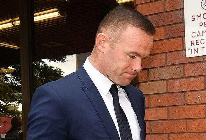 Rooney bi bat vi chui the, say ruou tai My hinh anh