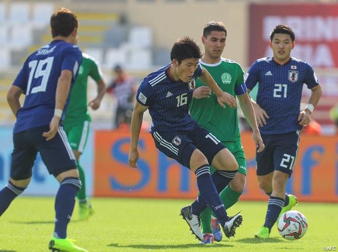 Nhat Ban 3-2 Turkmenistan: Tien dao Bundesliga toa sang hinh anh 1