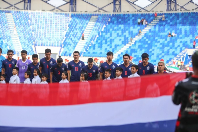 Chanathip toa sang giup Thai Lan thang tran dau tay tai Asian Cup 2019 hinh anh 17