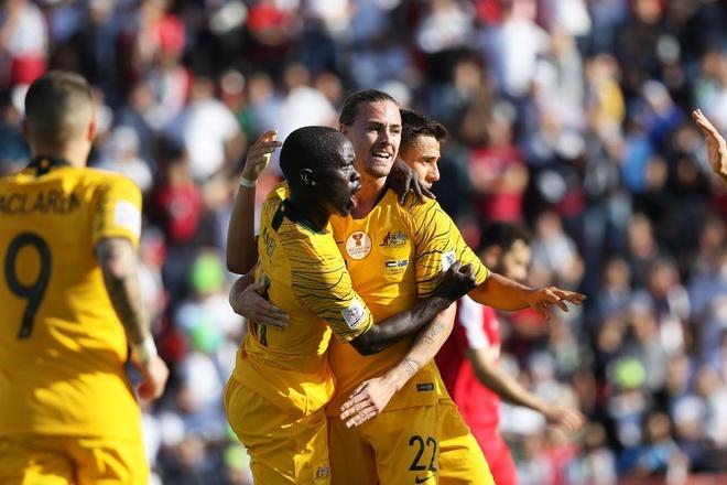 Palestine 0-3 Australia: Nha duong kim vo dich chung to suc manh hinh anh 1