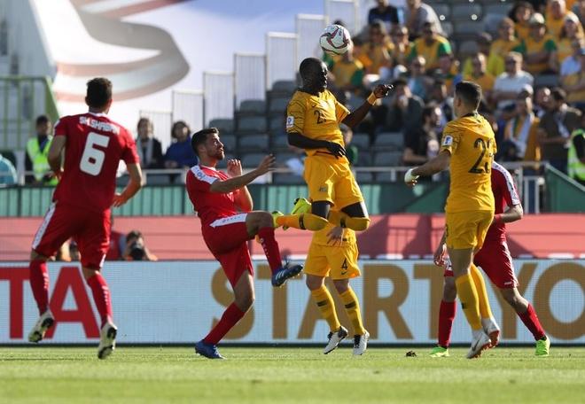Palestine 0-3 Australia: Nha duong kim vo dich chung to suc manh hinh anh 13