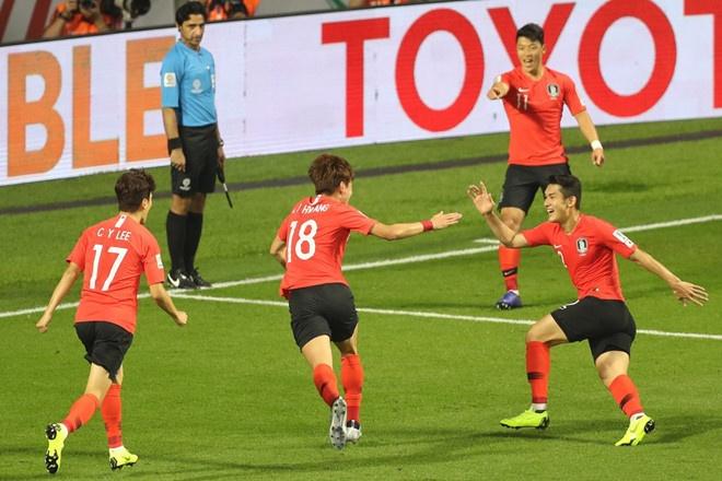 Han Quoc gianh ve vao vong 1/8 Asian Cup sau tran thang toi thieu hinh anh 4