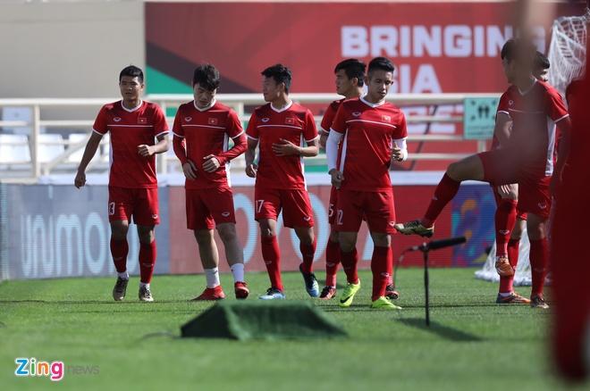 Viet Nam vs Iran (0-2): Tiec nuoi cho Cong Phuong va Quang Hai hinh anh 26
