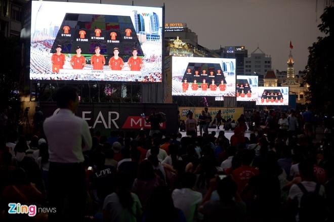 Viet Nam vs Iran (0-2): Tiec nuoi cho Cong Phuong va Quang Hai hinh anh 27