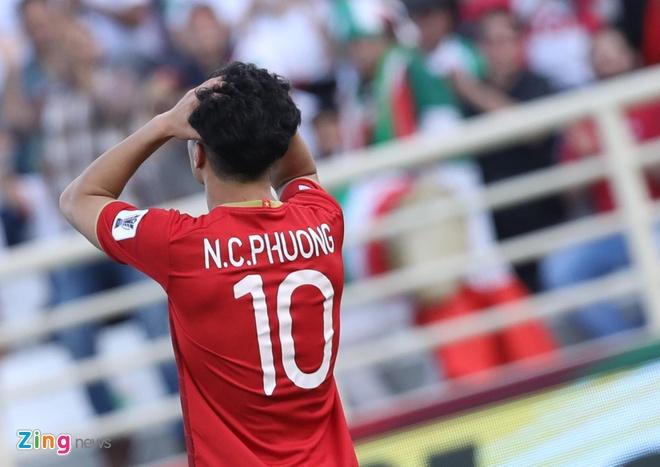 Viet Nam vs Iran (0-2): Tiec nuoi cho Cong Phuong va Quang Hai hinh anh 33