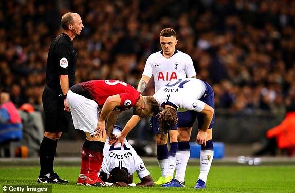Tottenham 0-1 Man Utd: De Gea choi xuat sac hinh anh 25