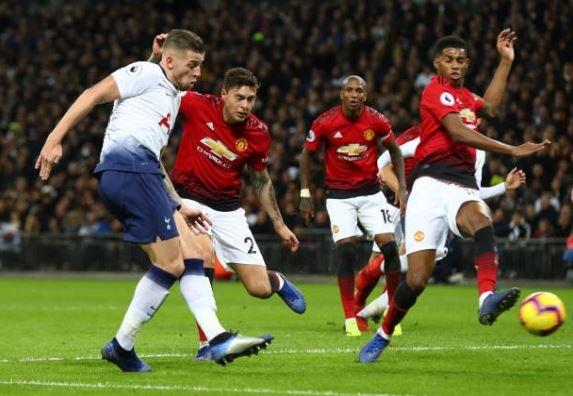 Tottenham 0-1 Man Utd: De Gea choi xuat sac hinh anh 36