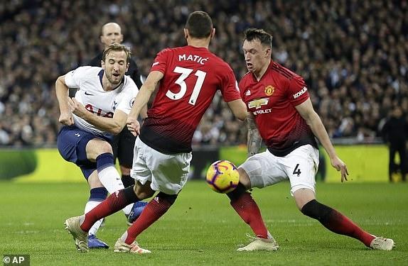 Tottenham 0-1 Man Utd: De Gea choi xuat sac hinh anh 22