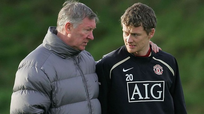 Sir Alex Ferguson da giup do tro cu Solskjaer the nao? hinh anh
