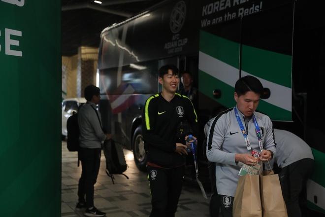 Son Heung-min toa sang giup Han Quoc chiem ngoi dau bang C Asian Cup hinh anh 4