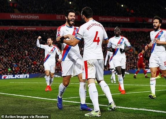 Salah toa sang giup Liverpool thang nghet tho Crystal Palace 4-3 hinh anh 19