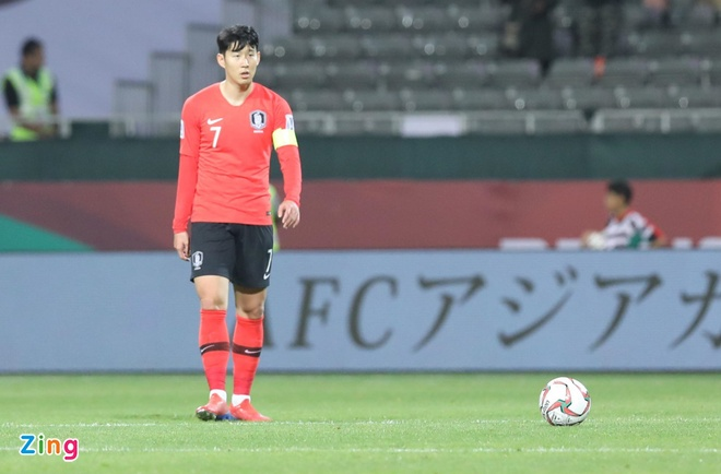 Son Heung-min mo nhat, Han Quoc chat vat vao tu ket Asian Cup hinh anh 18