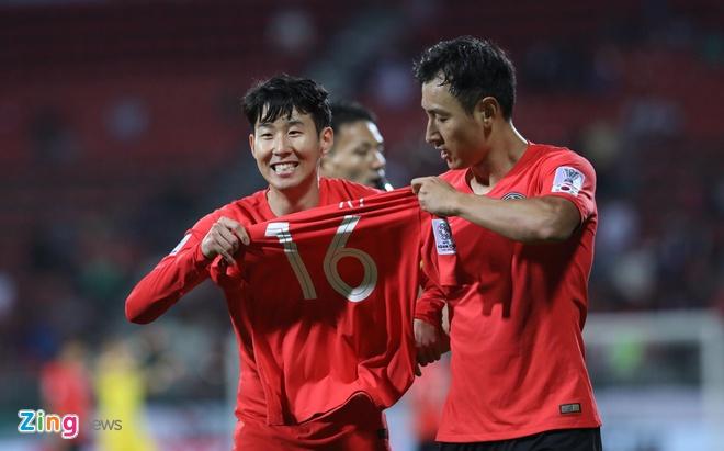 Son Heung-min mo nhat, Han Quoc chat vat vao tu ket Asian Cup hinh anh 21