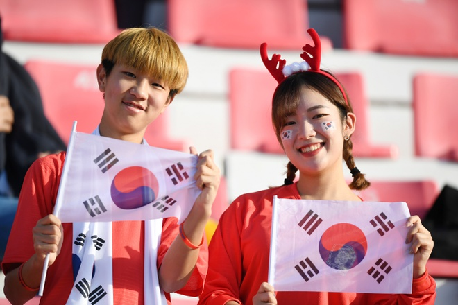 Son Heung-min mo nhat, Han Quoc chat vat vao tu ket Asian Cup hinh anh 10