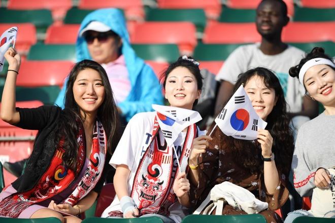 Son Heung-min mo nhat, Han Quoc chat vat vao tu ket Asian Cup hinh anh 9