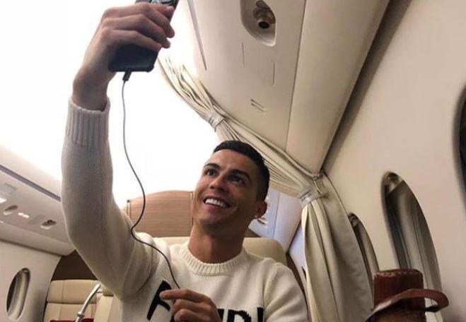 Ronaldo bi to thieu ton trong voi tien dao Argentina dang mat tich hinh anh