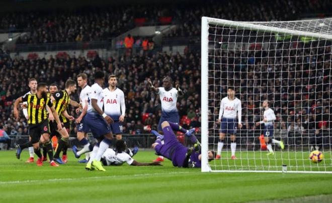 Son Heung-min toa sang giup Tottenham nguoc dong ha Watford hinh anh 1