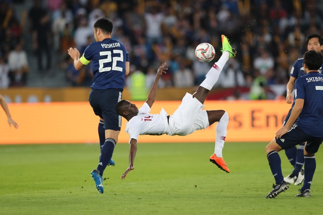 Tien dao Qatar lap ky luc ghi ban tai Asian Cup hinh anh 1