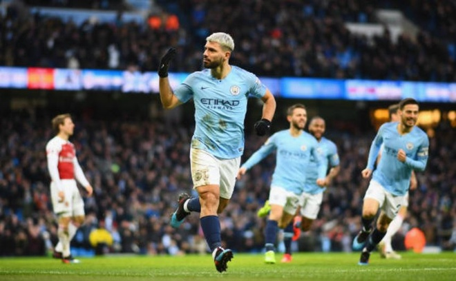 Man City 3-1 Arsenal: Aguero lap hat-trick hinh anh 1