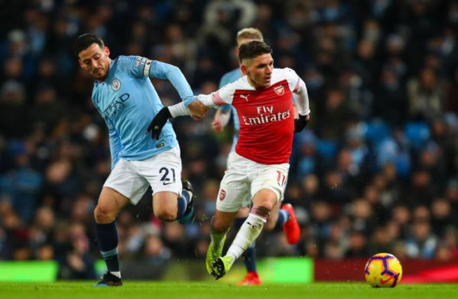 Man City 3-1 Arsenal: Aguero lap hat-trick hinh anh 21