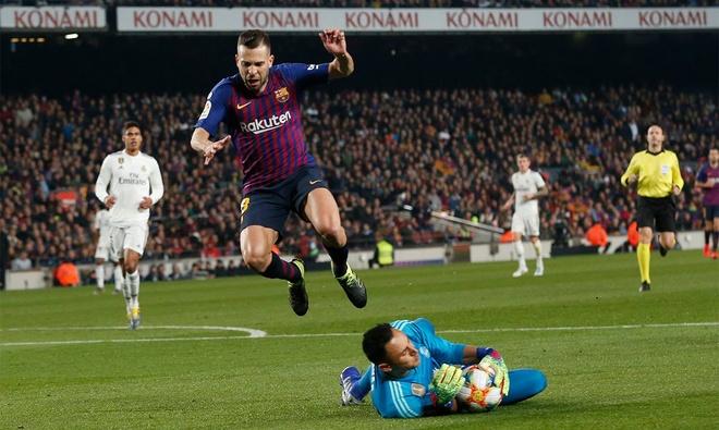 Barca, Real bat phan thang bai o ban ket Cup nha vua Tay Ban Nha hinh anh 1