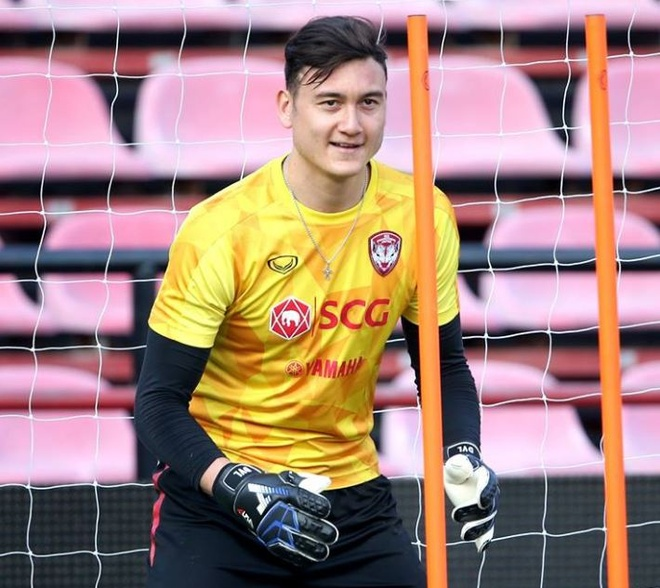 Van Lam rang ro trong buoi tap dau tien cung Muangthong United hinh anh 4
