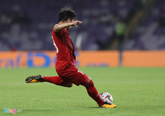 Khoảnh khắc khó quên của Quang Hải ở VCK Asian Cup 2019. Ảnh: