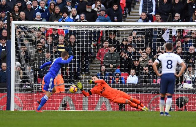 De bep Chelsea 6-0, Man City tro lai ngoi dau Premier League hinh anh 14