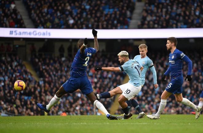 De bep Chelsea 6-0, Man City tro lai ngoi dau Premier League hinh anh 1
