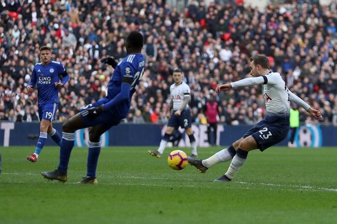 De bep Chelsea 6-0, Man City tro lai ngoi dau Premier League hinh anh 15