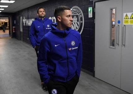 De bep Chelsea 6-0, Man City tro lai ngoi dau Premier League hinh anh 12