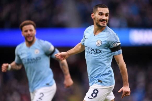 De bep Chelsea 6-0, Man City tro lai ngoi dau Premier League hinh anh 22