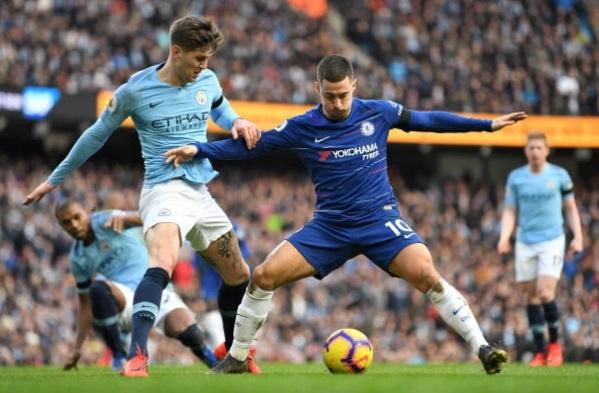 De bep Chelsea 6-0, Man City tro lai ngoi dau Premier League hinh anh 25