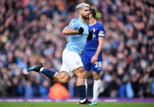 De bep Chelsea 6-0, Man City tro lai ngoi dau Premier League hinh anh 20