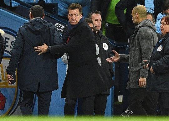 HLV Sarri tu choi bat tay Pep Guardiola sau tran thua 0-6 hinh anh 1