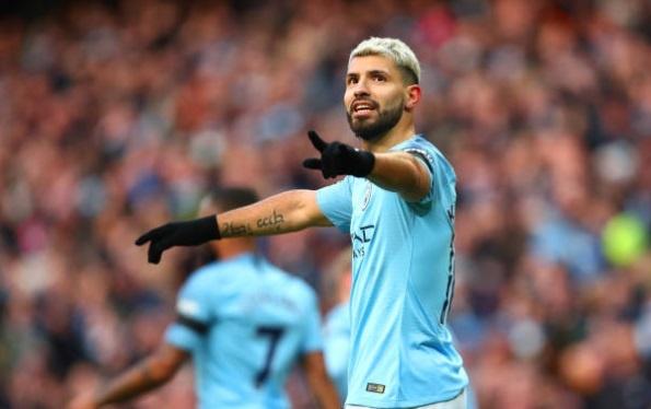 De bep Chelsea 6-0, Man City tro lai ngoi dau Premier League hinh anh 28