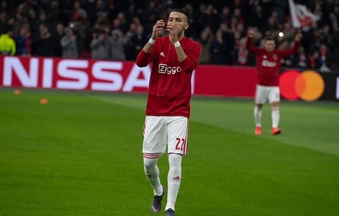Benzema lap cong giup Real gianh loi the o cup chau Au hinh anh 12