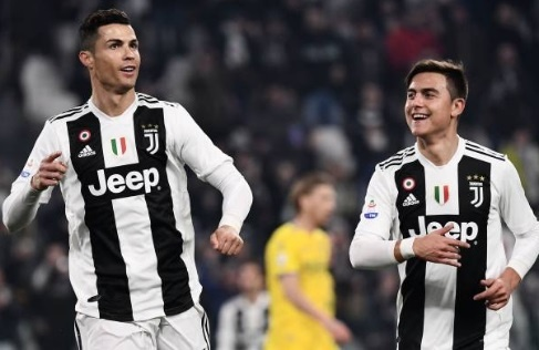 Ronaldo toa sang giup Juventus duy tri mach bat bai tu dau mua hinh anh