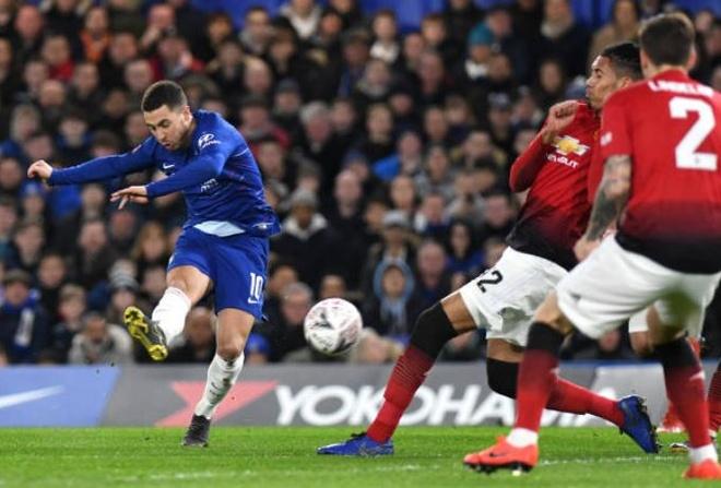 Chelsea 0-2 Man Utd: Pogba ruc sang hinh anh 1