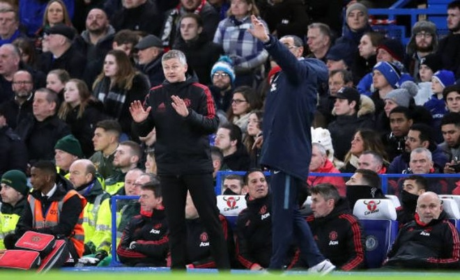 Chelsea 0-2 Man Utd: Pogba ruc sang hinh anh 25